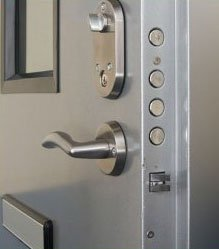 Universal Locksmith Store Minneapolis, MN 612-568-1063